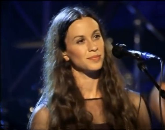Alanis Morissette - Singing on Stage