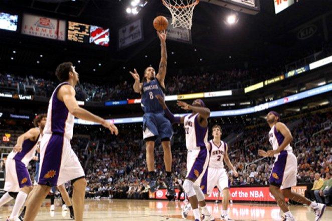 Minnesota Timberwolves v Phoenix Suns: Michael Beasley and Hakim Warrick