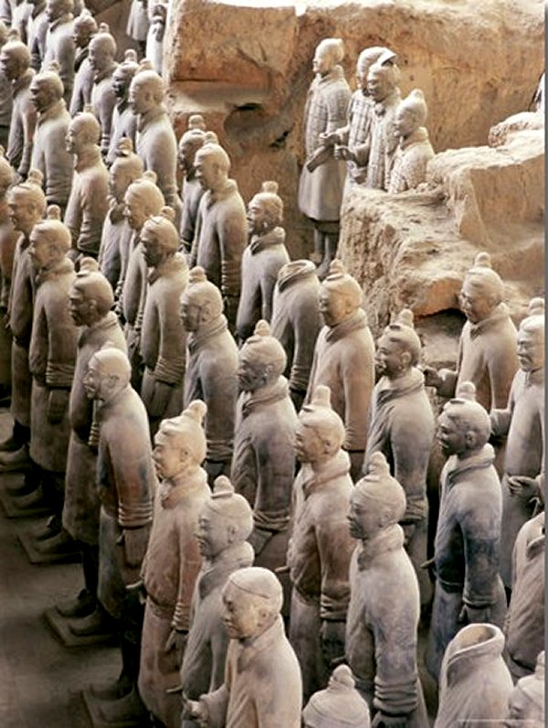 Some of the Six Thousand Statues in the Army of Terracotta Warriors, Shaanxi Province, China, Qin Dinasty 210 BC.
