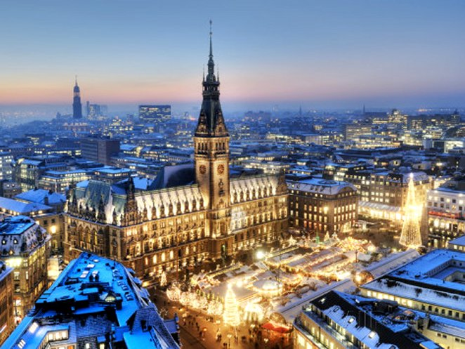 Town Hall and Christmas Market in Hamburg, Germany