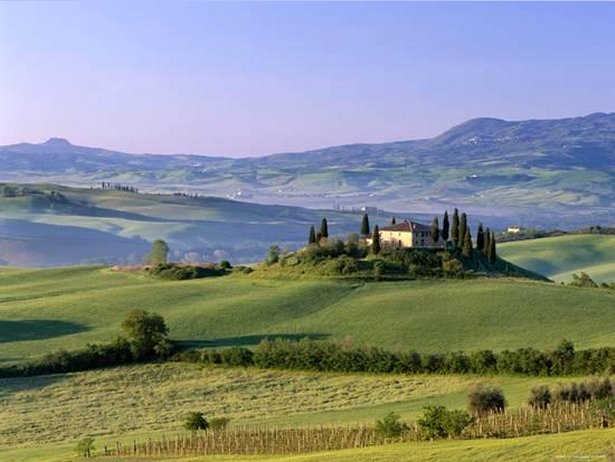 Val d'Orcia, Countryside View, Farmhouse and Green Grass and Hills, Tuscany, Italy