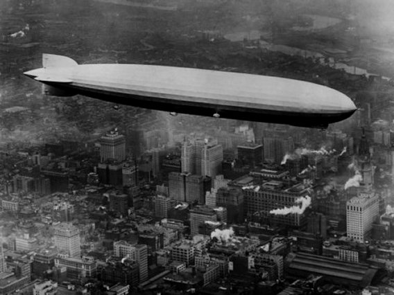 Zeppelin over Philadelphia, 1928