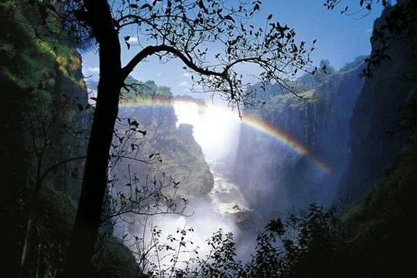 Zimbabwe Mosi-Oa-Tunya, Victoria Falls on Zambezi River, Rainbow